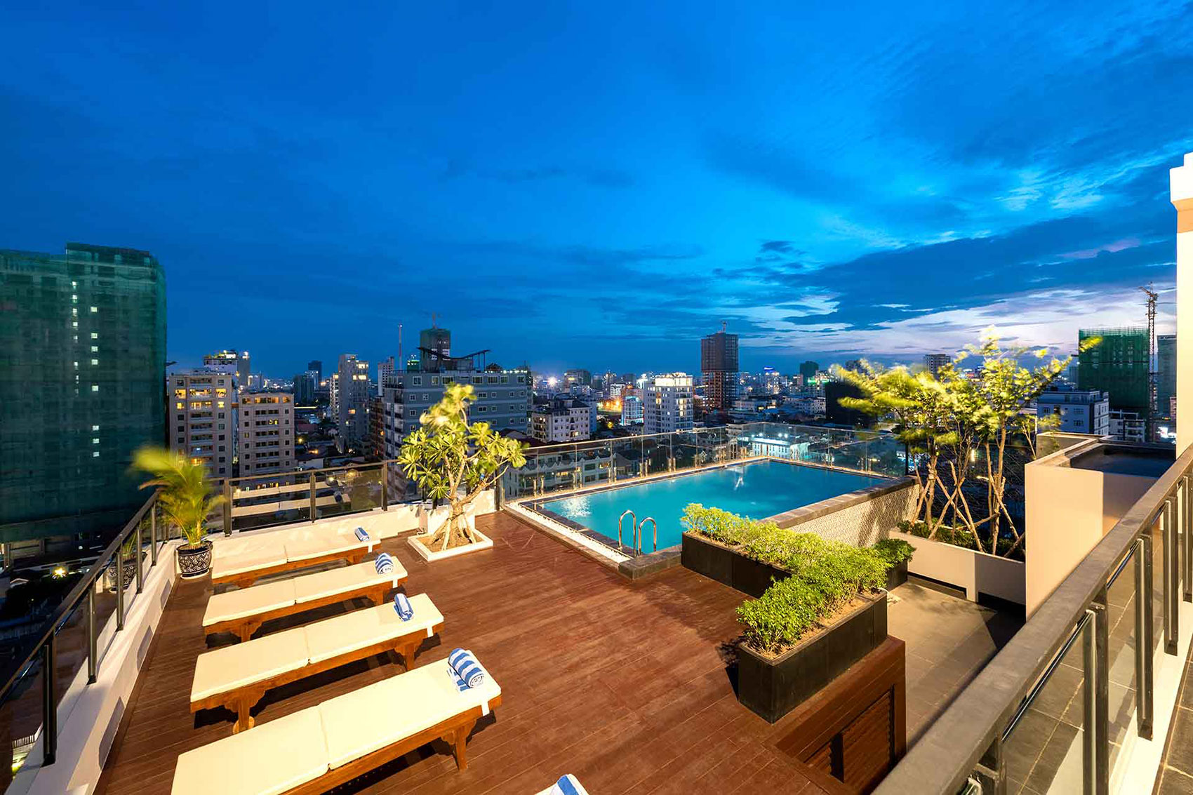 Luxurious Serviced Apartment in BKK 1