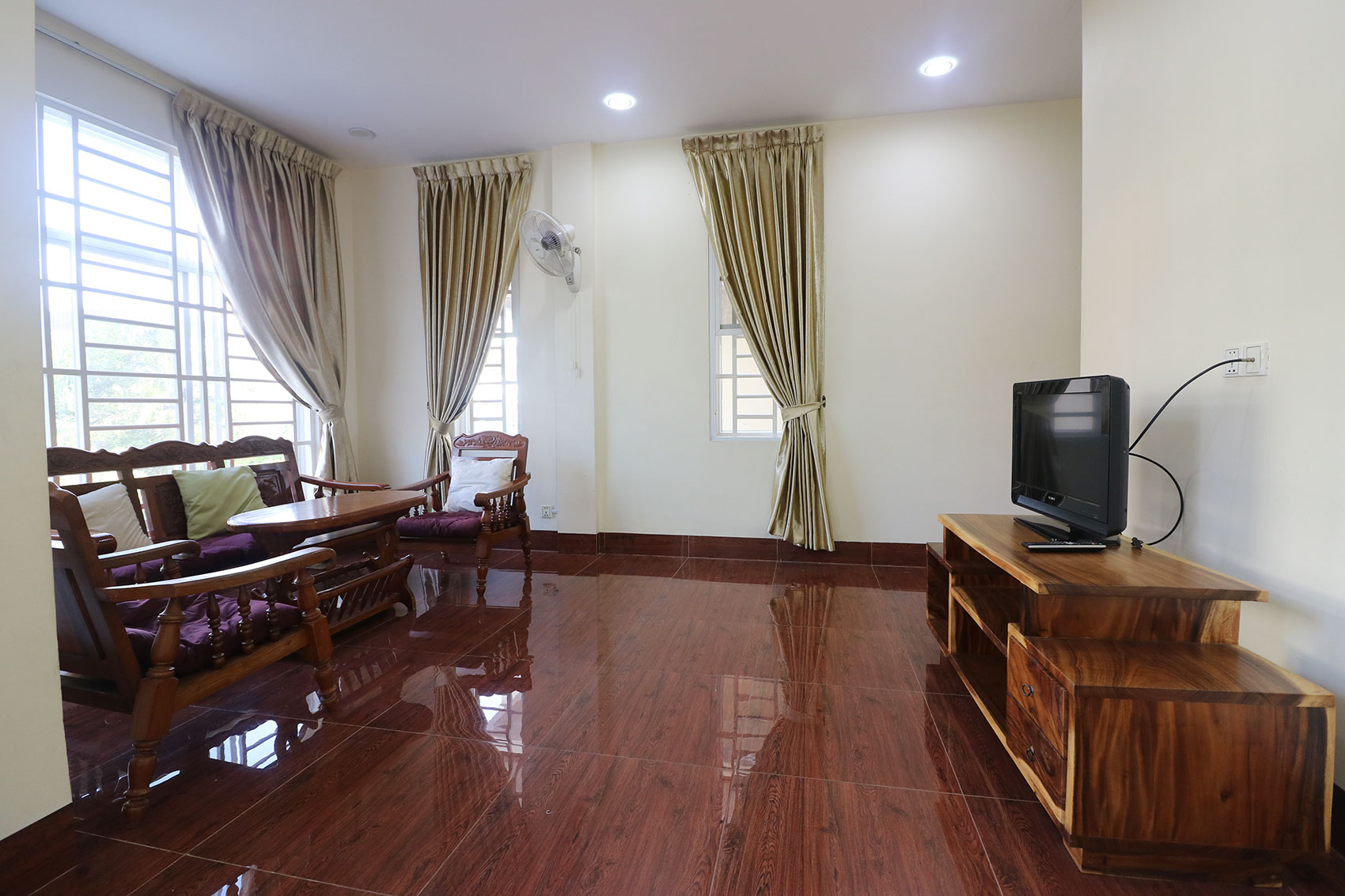 Fully Furnished 3-Bedroom Apartment